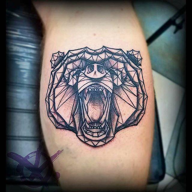 22 Bar Tattoo Ideen Bilder Und Bedeutung