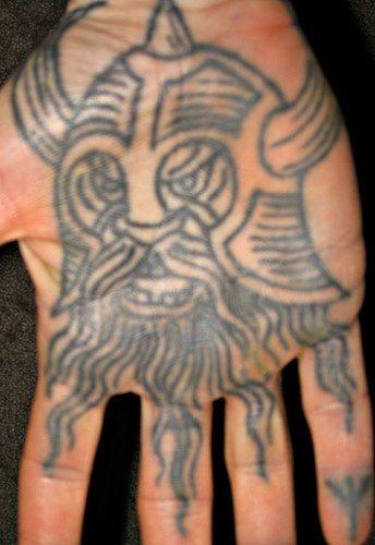 65 wikinger tattoos mit nordischen symbolen. Black Bedroom Furniture Sets. Home Design Ideas
