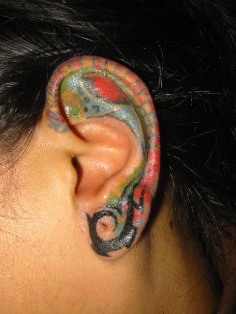 bunte und lebendige tattoo designs