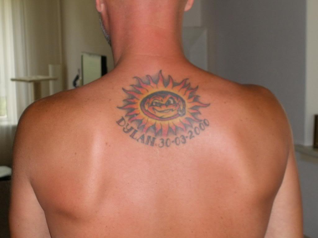 50 sonne tattoos mit anderen designs - Tatouage soleil signification ...