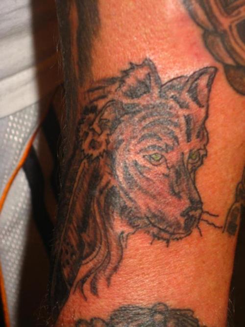 wild wolf tattoos 108 bilder und fotos. Black Bedroom Furniture Sets. Home Design Ideas