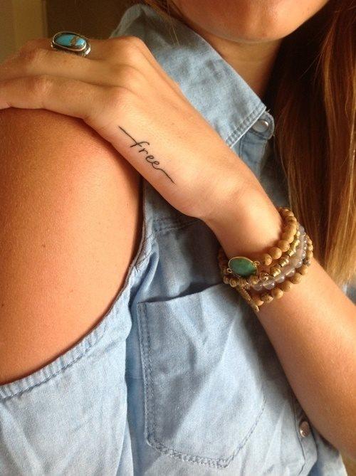 Kleine tattoos arm frau