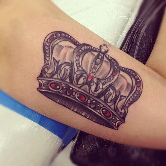 69 Krone Design Tattoos Bildergalerie