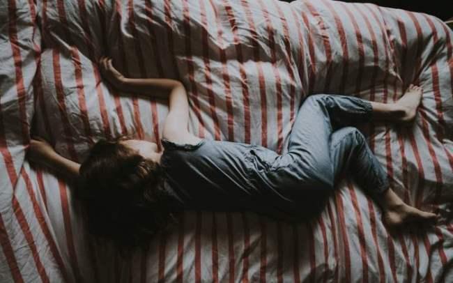 was bedeutet es, vom waschen von kleidung zu träumen?