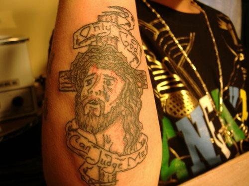 tatuado escenas