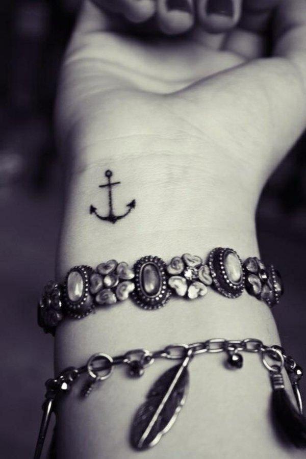 foto tatuajes munecas 307