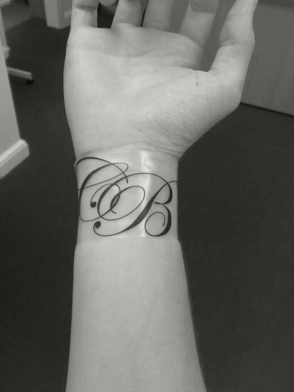 idea tatuaje muneca 216