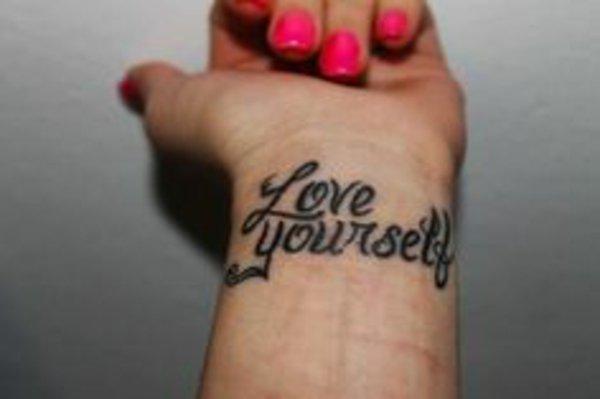 idea tatuaje muneca 217