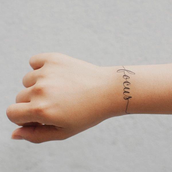 tatuaje muneca modelo 110