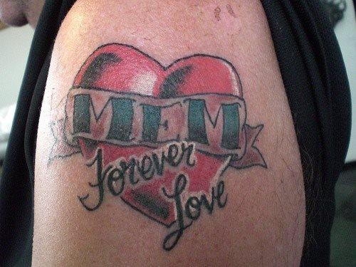 tatuaje amor love 1033
