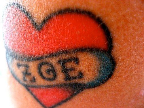tatuaje amor love 1035