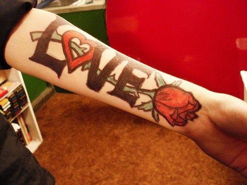 tatuaje amor love 1043