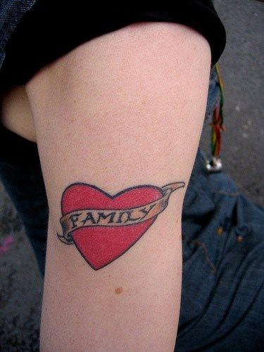 tatuaje amor love 1060