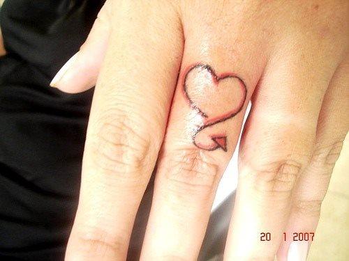 tatuaje amor love 1071