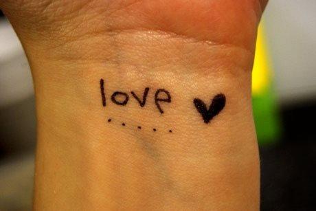 tatuaje amor love 1086