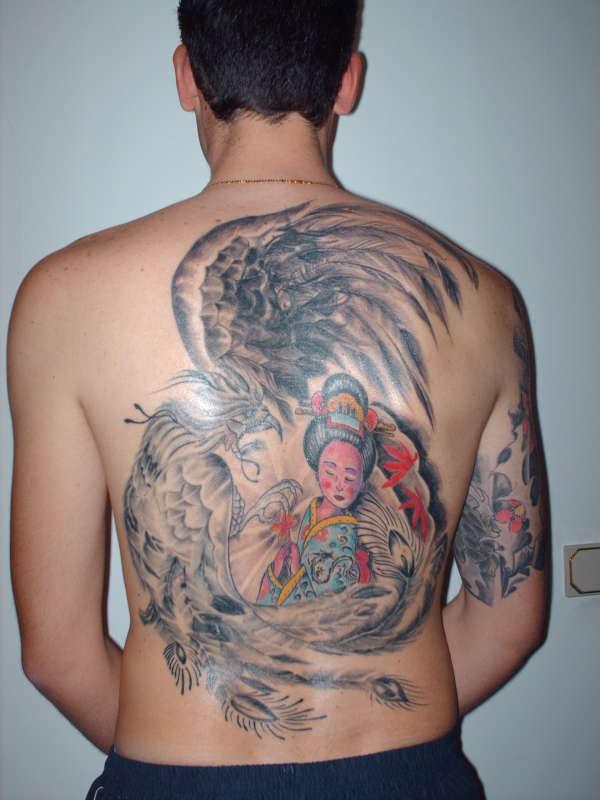 Tatuajes de bellas geishas y mujeres japonesas