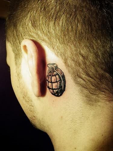 La Sutilidad Y Elegancia De Los Tatuajes Atras De La Oreja