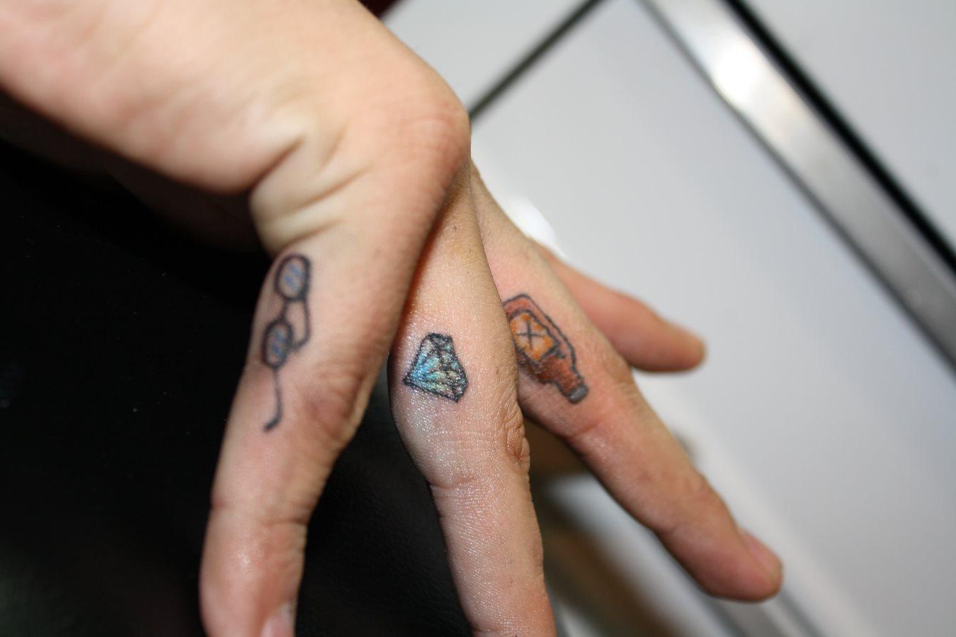 88 Tatuajes En Los Dedos De La Mano O Del Pie