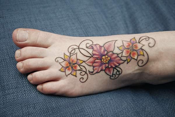 Más de 200 Tatuajes con flores de diferentes especies