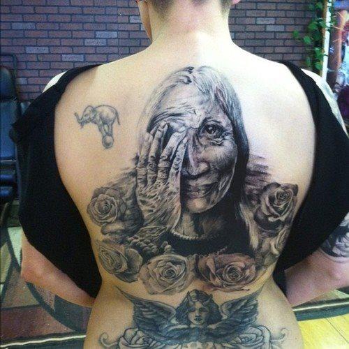 anciana espalda