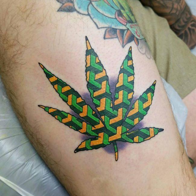 tatuaje cannabis174