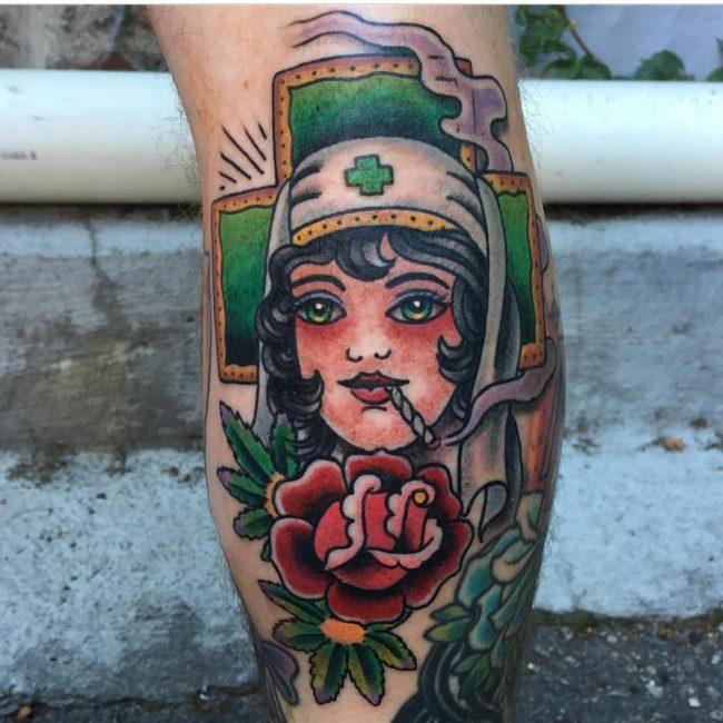 tatuaje cannabis274