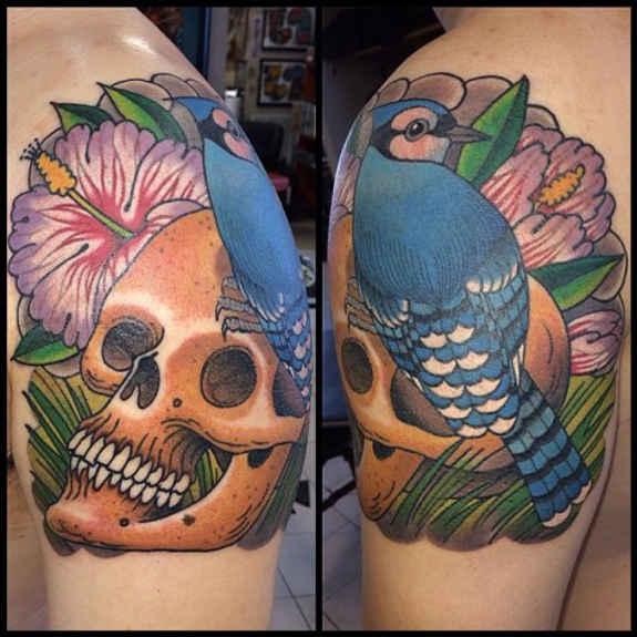 tatuaje Omoplato143