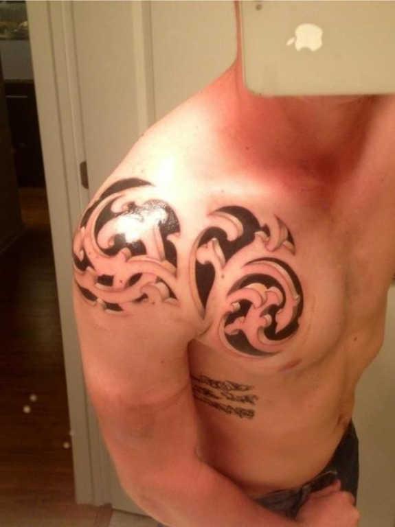 tatuaje Omoplato144