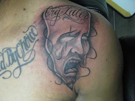 tatuaje Omoplato148