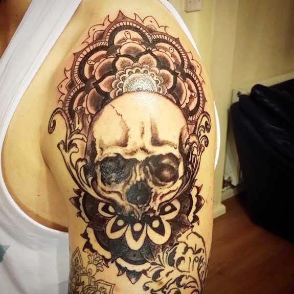 tatuaje Omoplato175