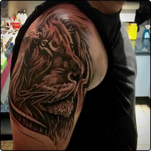 tatuaje Omoplato177