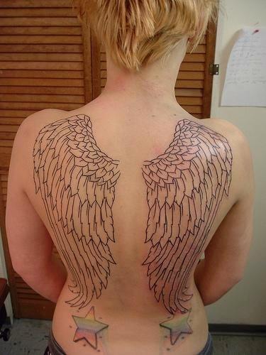 55 Diseños De Alas Desplegadas Tatuajes En Mujeres