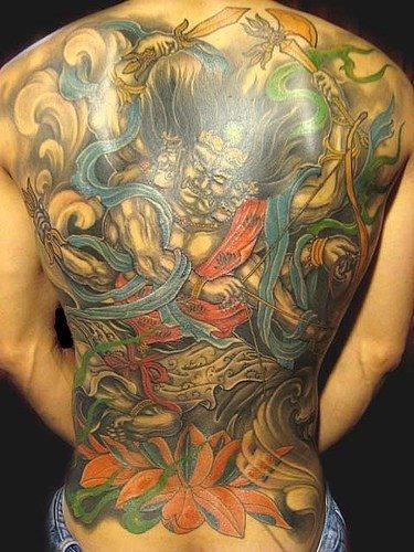 La chica del tatuaje en la ducha tattoo girl in shower - 3 8
