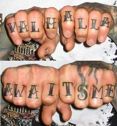 27 Tatuajes Variados En Los Dedos Y Los Nudillos