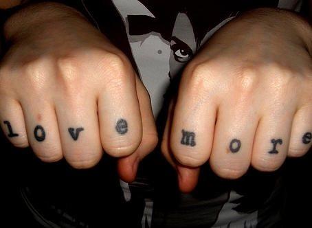 tatuaje mano 1009