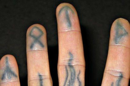 tatuaje mano 1012