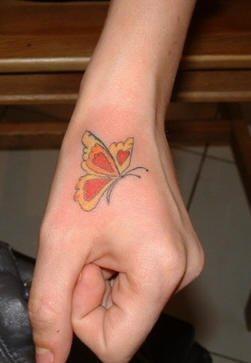 tatuaje mano 1028