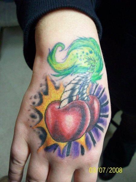 tatuaje mano 1030