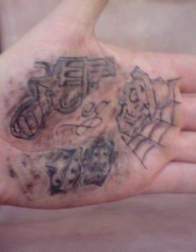 tatuaje mano 1031