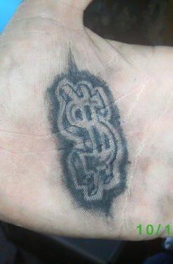 tatuaje mano 1041