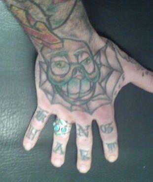tatuaje mano 1047