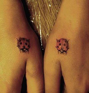 tatuaje mano 1053