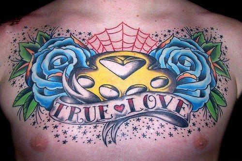 tatuaje pecho 1002