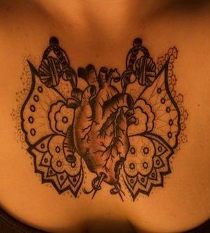 tatuaje pecho 1031