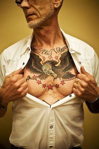 tatuaje pecho 1032