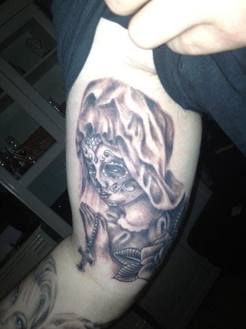 tatuaje virgen 28