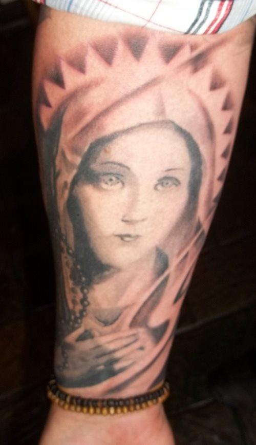 tatuaje virgen 32