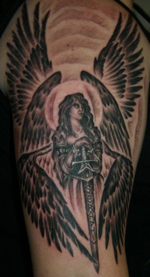 55 Tatuajes De Espadas Y Puñales Galería De Imágenes