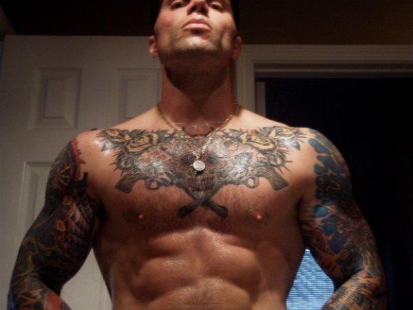 68 Tatuajes En El Pecho Galeria De Disenos