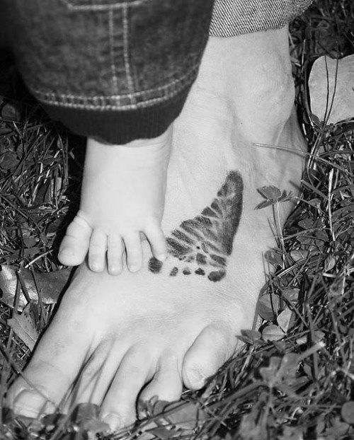 70 Tatuajes de pisadas y huellas de pies: Galería